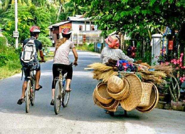 Half day Customs and Culture Tour by bike