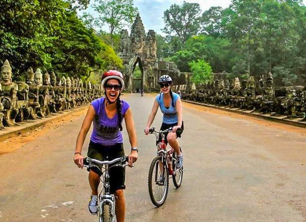 Angkor Wat and Angkor Thom Day Tour by Bikes